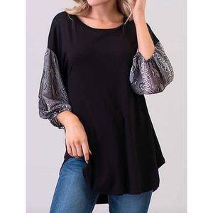 NWOT3X Snakeskin print sleeve tunic shirt Boutique